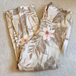 NWOT Rafaella linen capri pants